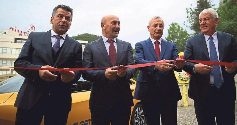 En Taksi İzmir ve Vip Taksi Hizmete Girdi